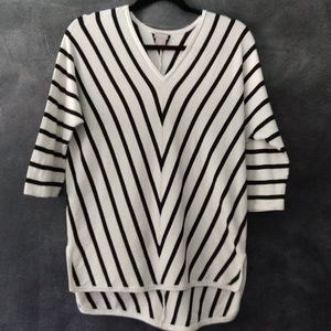 CHICO'S   V-Neck Nautical Theme Sweater Size 0